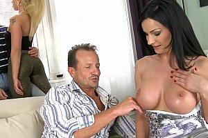 Yurizan Beltran lesbische seks
